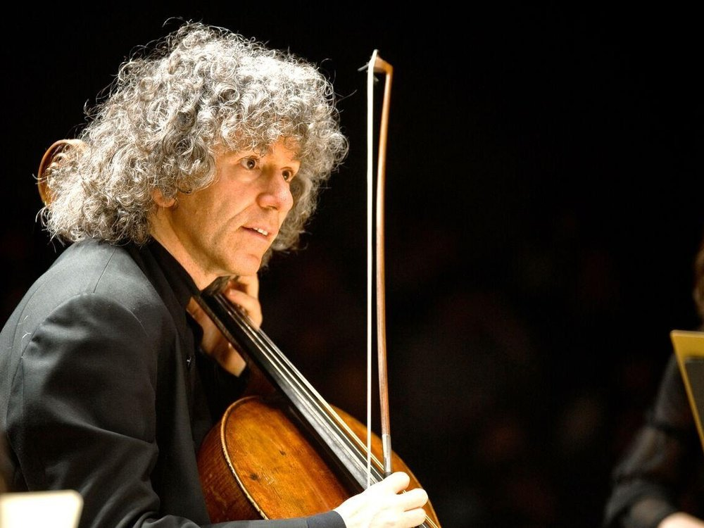 Steven Isserlis - Robert Brewer Young is a one-off! Somehow in his presence the world seems to be a different – and much better – place. I'm very honoured that he has made for me a beautiful cello, a copy of the Marquis de Corberon Stradivarius on which I play most of my concerts. Robert's cello is named the Lady Joanna (in honour of my girlfriend Joanna!); and I am happy to report that it has many of the noble qualities both of its model and of its namesake…