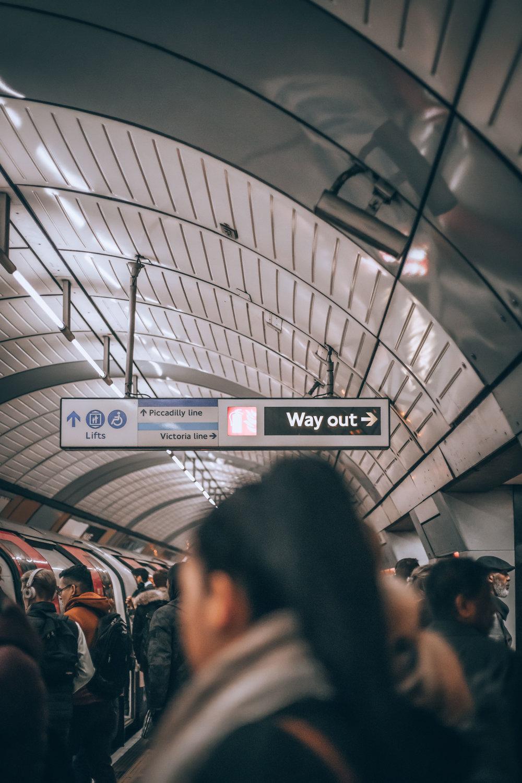 Los viajeros deben ser aprobados previamente para el programa de entrada global. - Todos los solicitantes se someten a una rigurosa verificación de antecedentes y entrevistas personales antes de la inscripción.