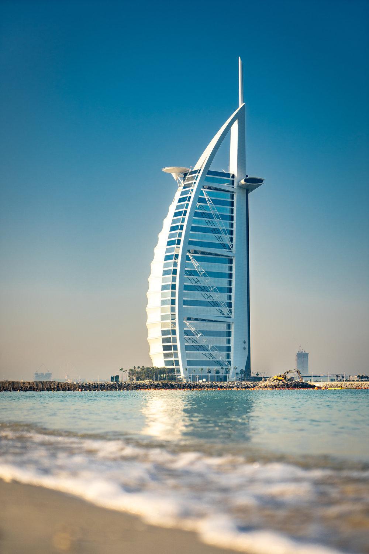 Dubai - Febrero es el mes más barato para visitar Dubai. Los hospedajes y vuelos están entre un 15% a un 65% más batatos durante esta temporada versus la temporada alta. El clima no está caluroso que es otro factor que estará a tu favor.
