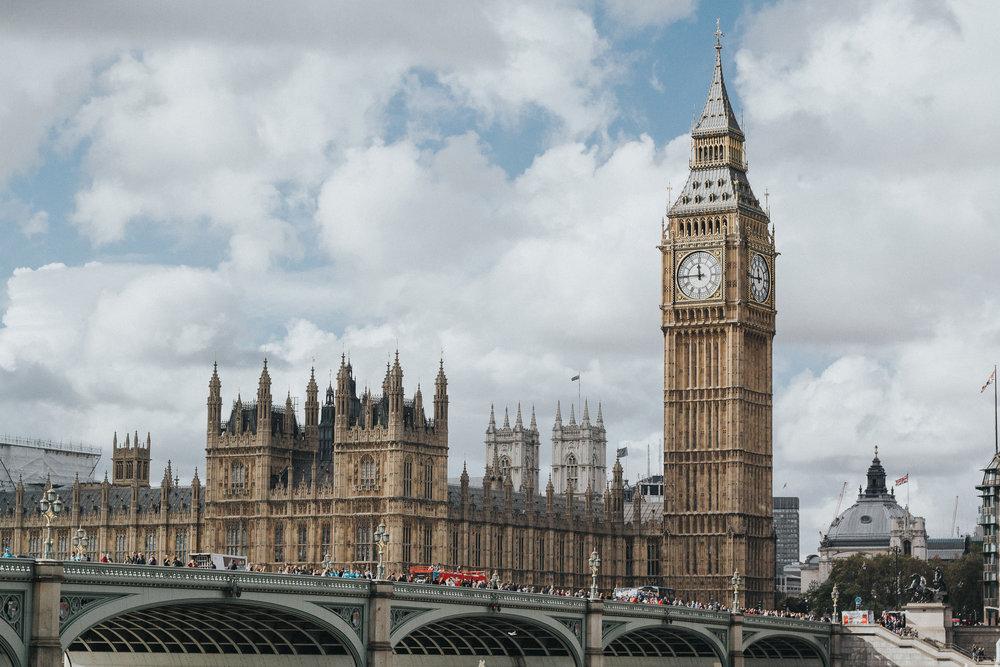 Londres - Justo cuando acaba el invierno británico comienza la temporada más barata y de mejor clima en Londres. Marzo es un excelente mes para visitar esta ciudad que nunca duerme. El ahorro en hospedajes en barrios famosos como SOHO será entre un 10% a un 30% más barato que en verano.