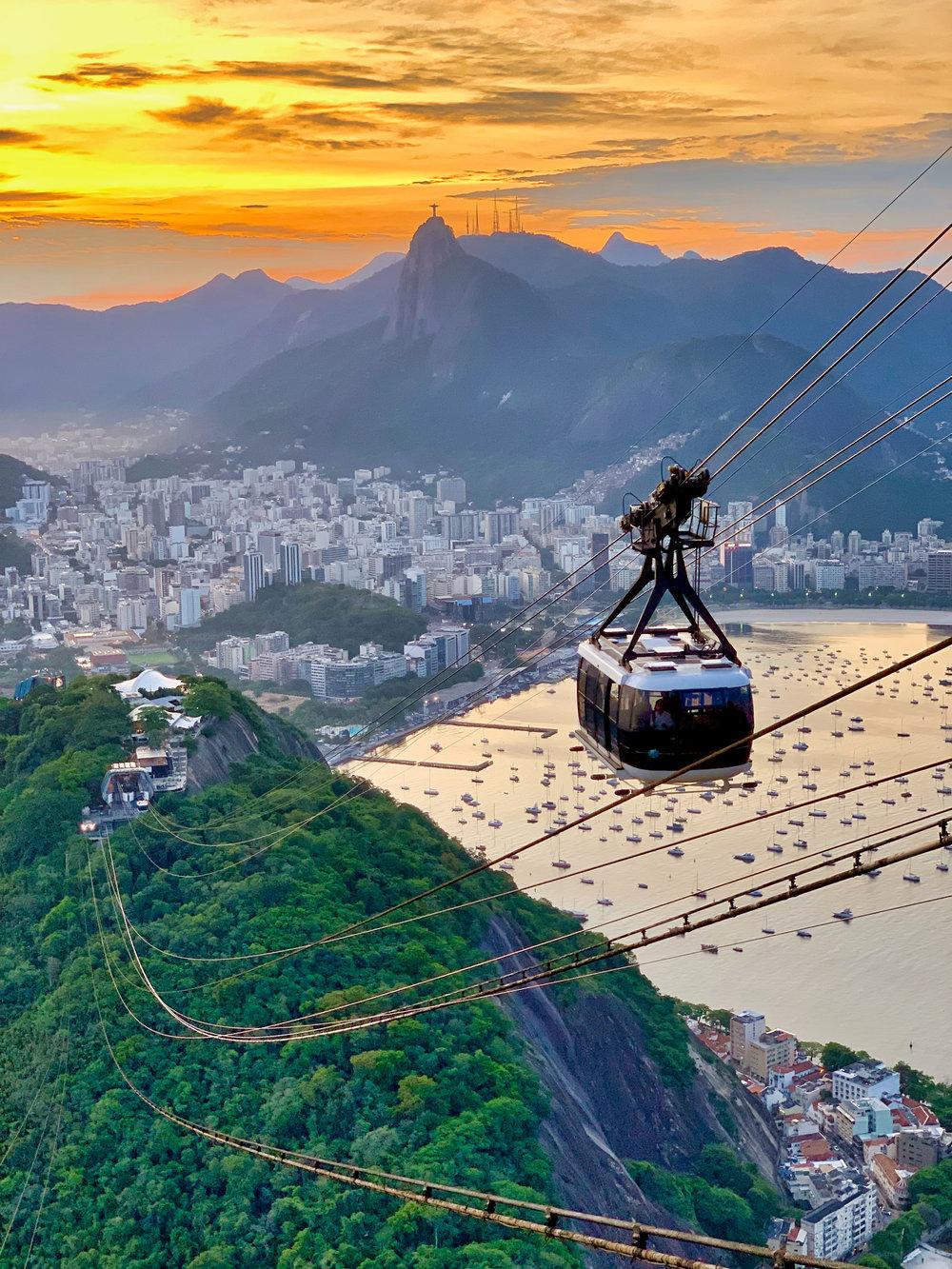 Rio de Janeiro - Desde noviembre, pasando por diciembre hasta enero, es la temporada más barata para visitar Rio - evitando despedida de año-. Una de las ciudades más hermosas en todo el Planeta Tierra tiene mucho que ofrecer. Los precios en temporadas pico como el Carnaval y despedida de año pueden estar hasta 300% más caros en comparación con la temporada baja.
