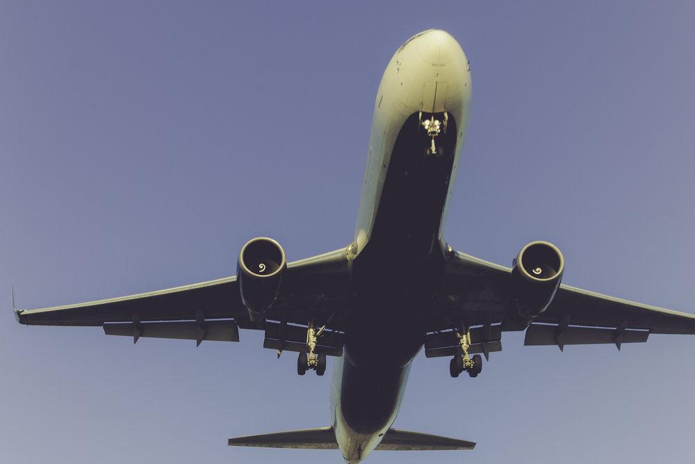 ¿Cómo funcionan? - Básicamente las membresías de las aerolíneas de bajo costo se pagan de forma anual en la mayoría de las ocasiones o se puede elegir pagar al momento de comprar los boletos aéreos en otras. Cada aerolínea determina el costo y los beneficios de sus membresías. Es importante que se identifiquen varios factores importantes antes de decidir comprar una membresía.