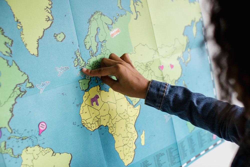 ¿Cómo comenzar? - El paso más importante es identificar las rutas más frecuentadas para que en función a ellas el viajero puede generar ahorros a la hora de comprar los vuelos. Por ejemplo, se debe escoger un punto de partida y llegada que tenga una gran variedad y ofrecimiento de rutas aéreas.
