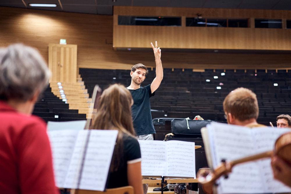 Orchesterprobe__MaximilianHelm_010.jpg