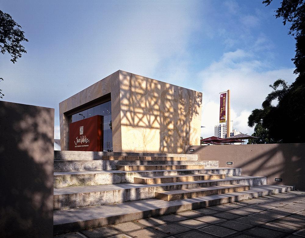 XXI COLOMBIAN ARCHITECTURE BIENNIAL 2008 - Best Public Space DesignJuan Valdez Plaza an ShopLocation: Antonio Nariño Park, Manizales, Colombia.