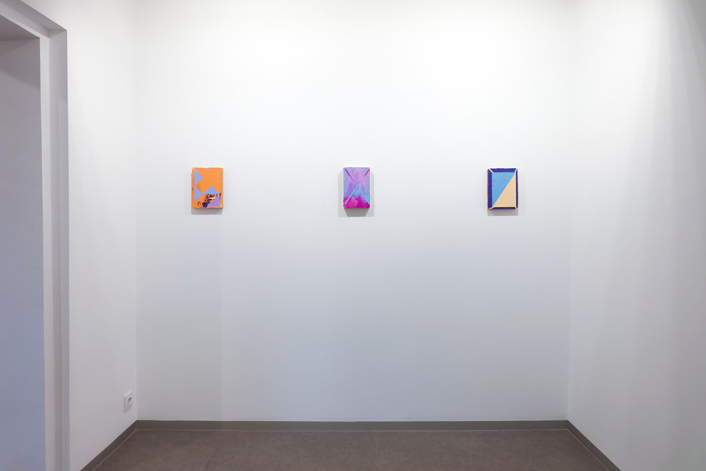 Install shot,  Sobre fragmentos y materia , Kir Royal. Photo by Michael Thorp, courtesy of the artist