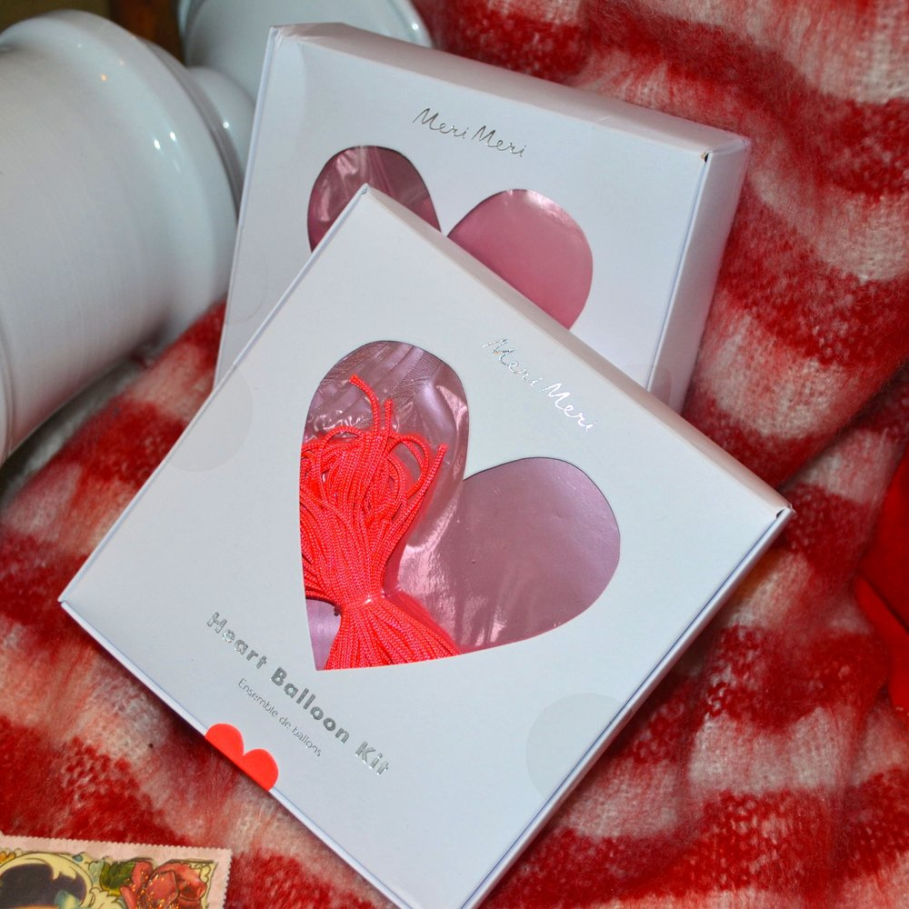 Surprise your loved one with heart shaped balloons