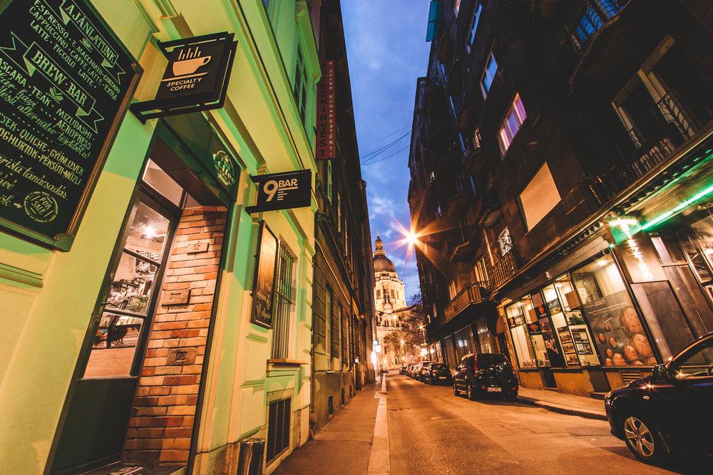 9BAR Cafe Budapest - éjszakai hangulatkép / Fotó: Bóna Barna