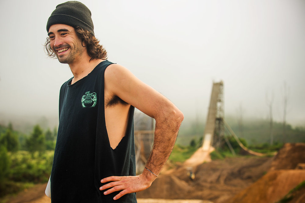 Kyle Jameson - BLACK SAGEBorn in Bend, Oregon Kyle Jameson has grown up with the crew in Santa Cruz, and has made a name for himself as a true Freerider, with loads of building-experience, massive amounts of style, and always a smile on his face.As well as being a host of Black Sage, he is a judge at Red Bull Rampage.