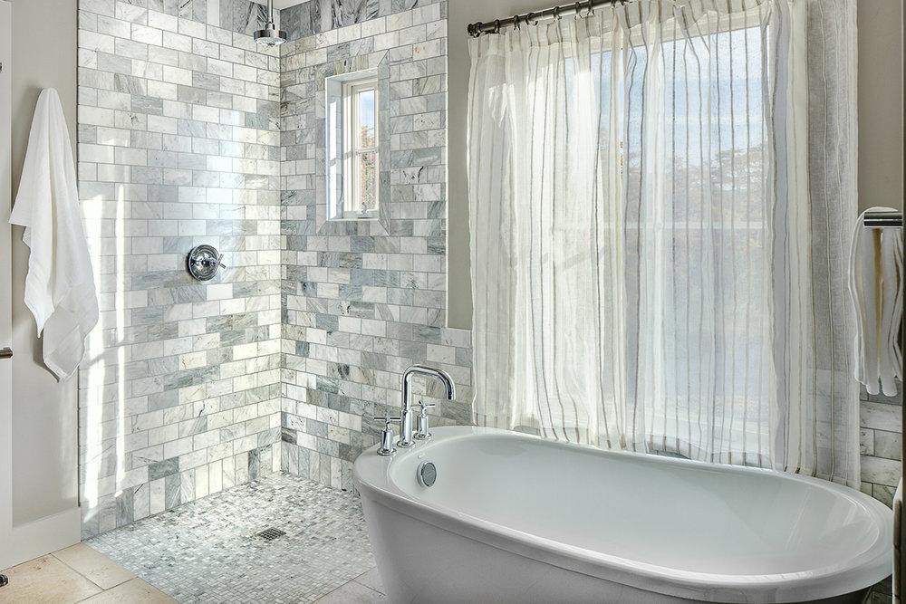 FRC_Bath_Tub.jpg