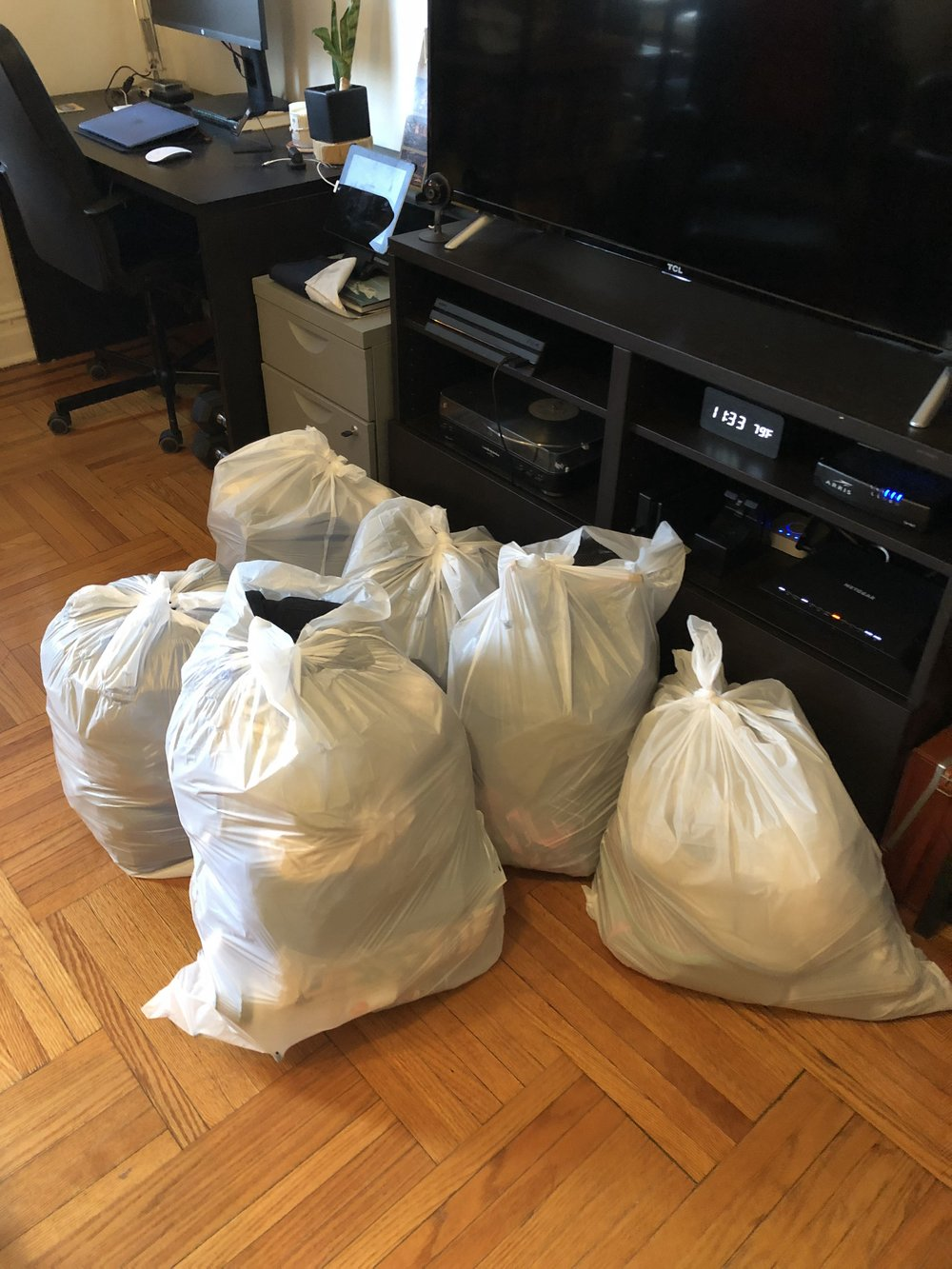 19 total - Full 13-gallon trash bags