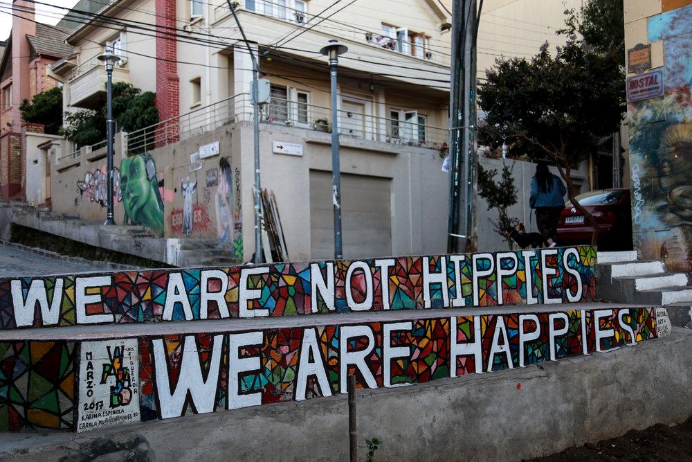 Hippie beach vibes in Valparaíso, Chile. (Valpo)