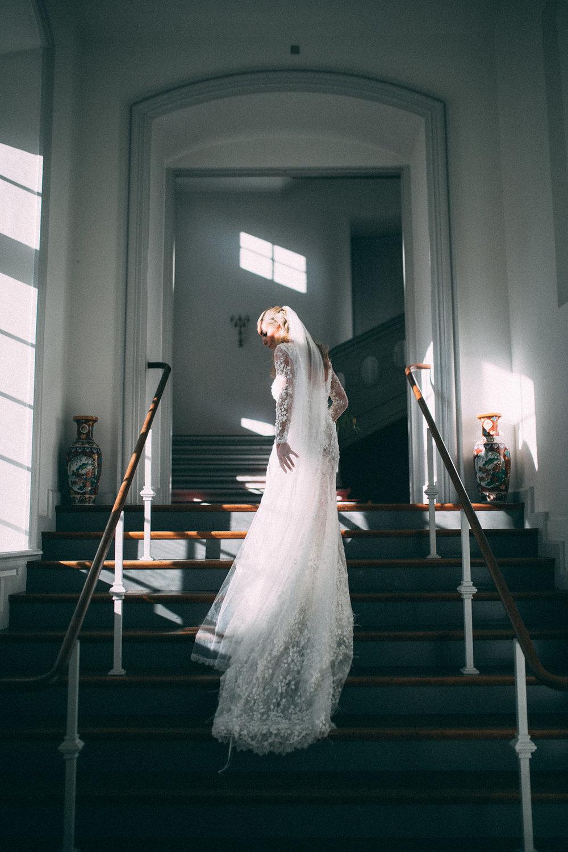 Luisa i en Jesper Høvring kjole.
