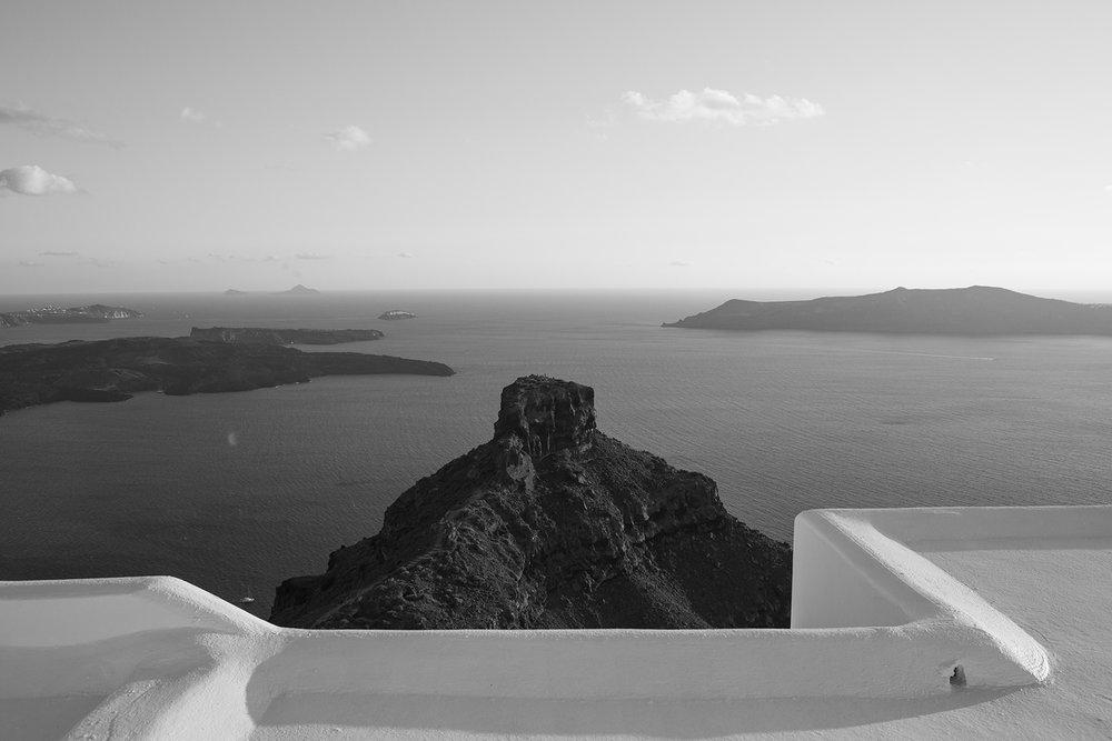 kyellow_santorini_landscape.jpg