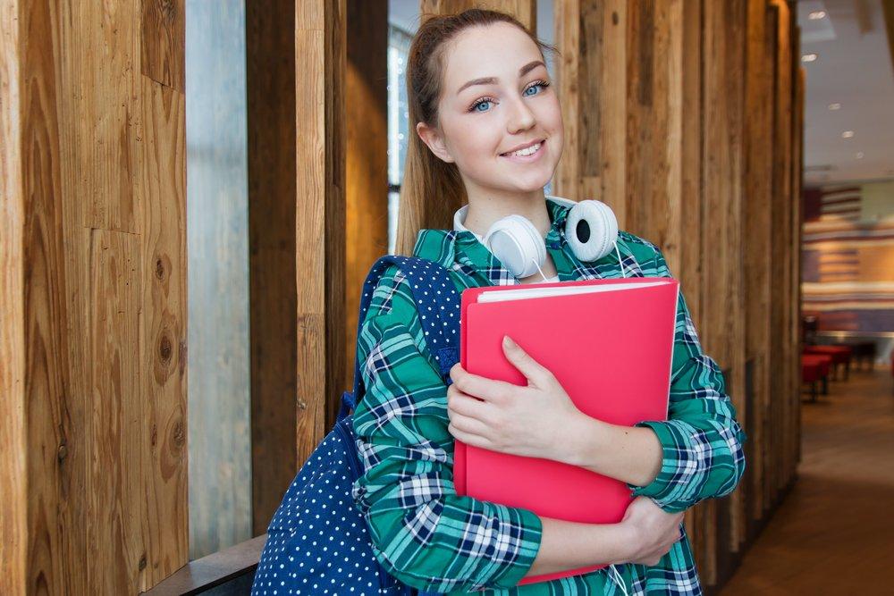 adolescent-attractive-backpack-1462630.jpg