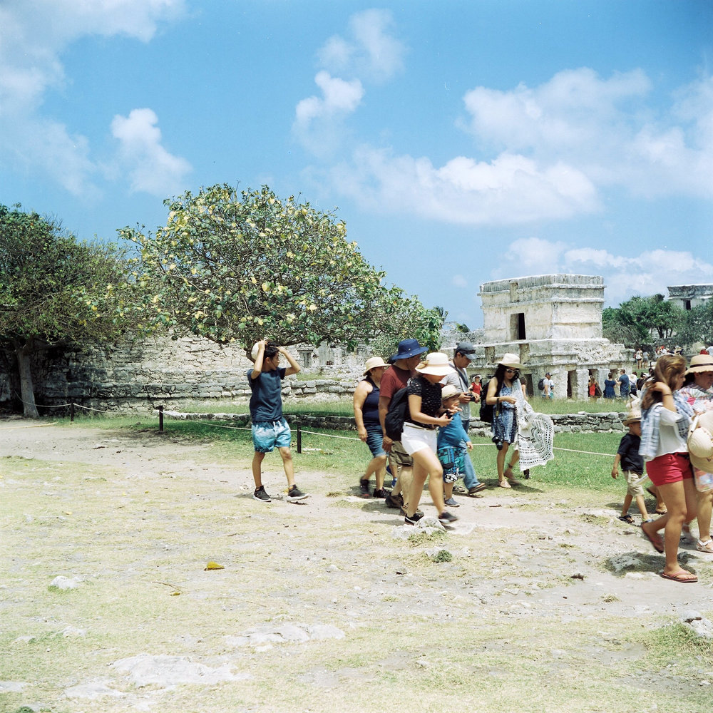 Tourists at the Mayan ruins in Tulum, Mexico © Tanya Clarke 2018