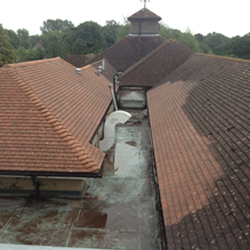 roof-cleaning-crawley-12.fw.png