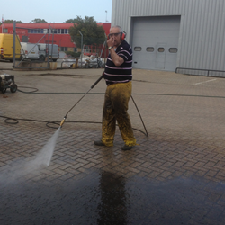 car-park-cleaning-london-12.fw.png
