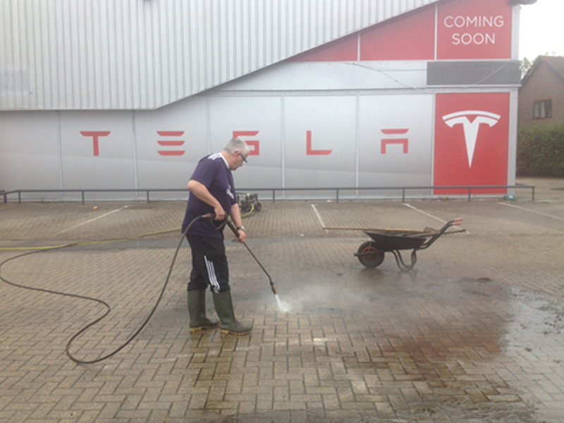 car-park-cleaning-tesla.fw.png