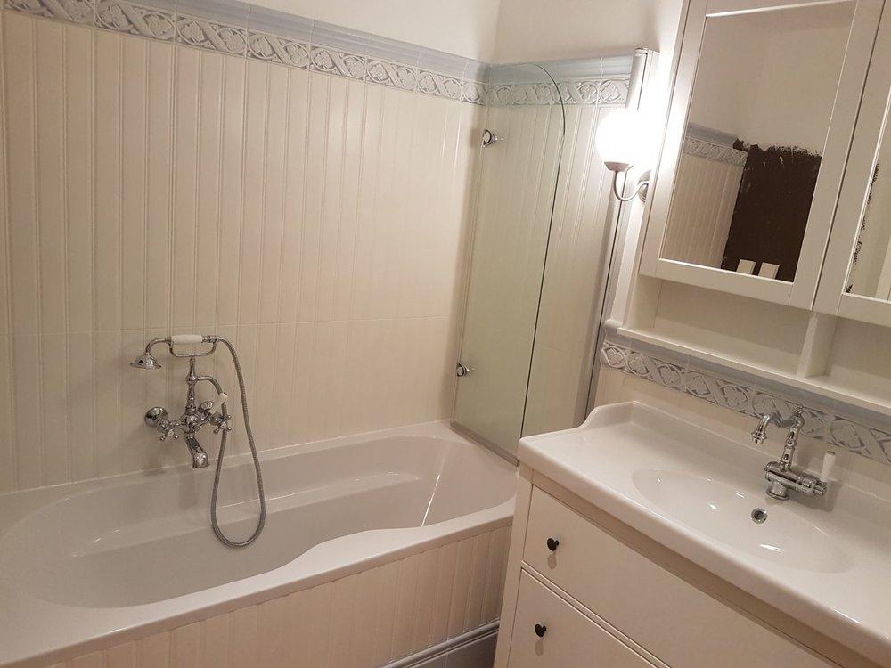 Badezimmer mit Wandpaneele von Grazia