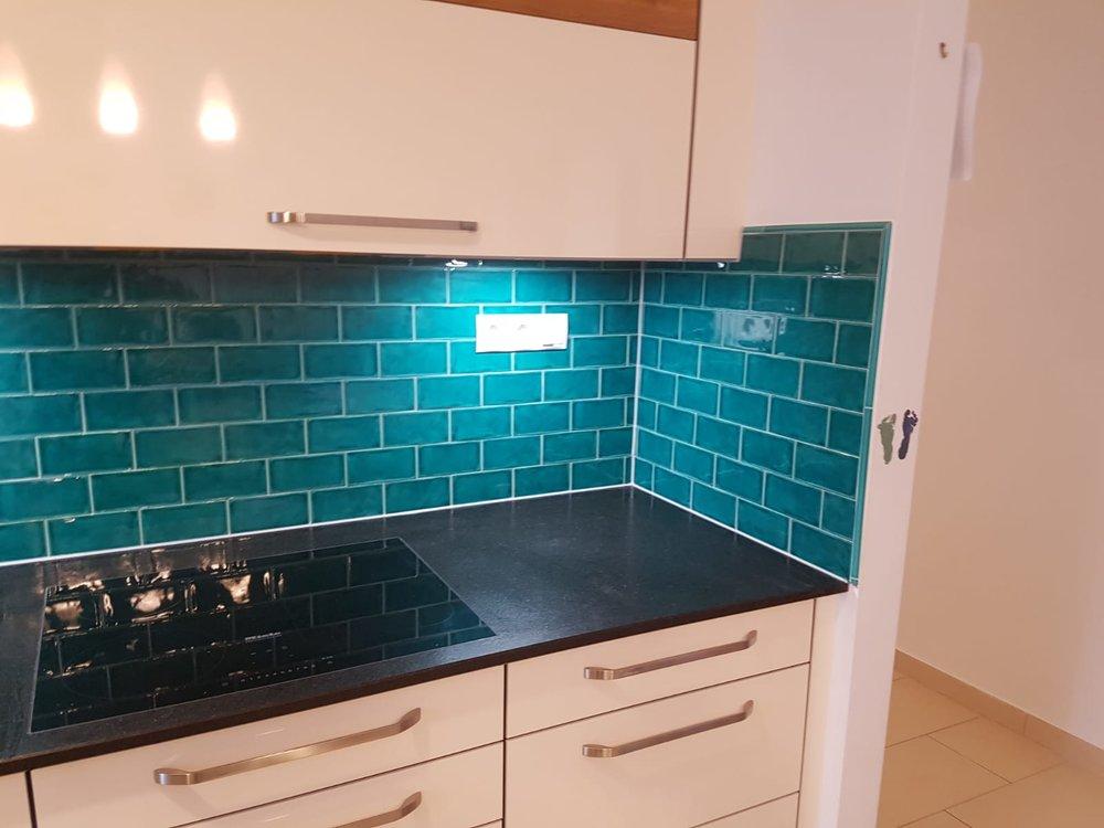 Küchenschild mit Metrofliesen halbversetzt verlegt