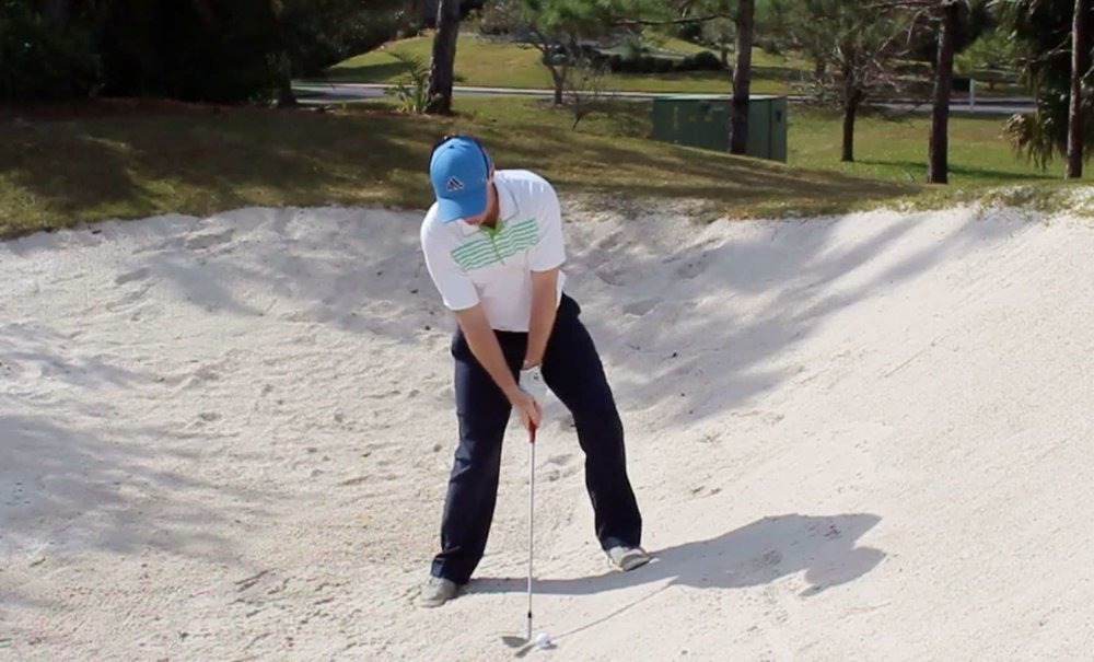 How-to-Hit-a-Uphill-Bunker-Shot