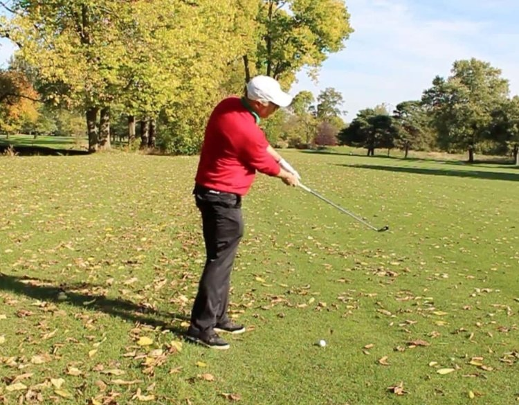 """How to Hit a Draw in 3 Simple Steps - The draw is a great shot to have and some of the top players in the world call this their """"go-to"""" shot under pressure. In order to get your draw more consistent, there are 3 things that you absolutely must do."""