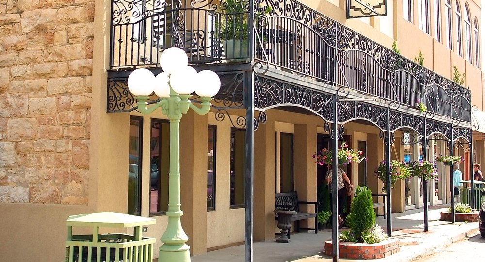 La Ville Inn - If you're looking for something a little less outdoorsy, explore our other property, La Ville Inn, located in the heart of Davis.