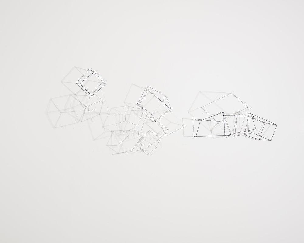 Disparition 2   2018, fil acier peint, soudure  65x60cm