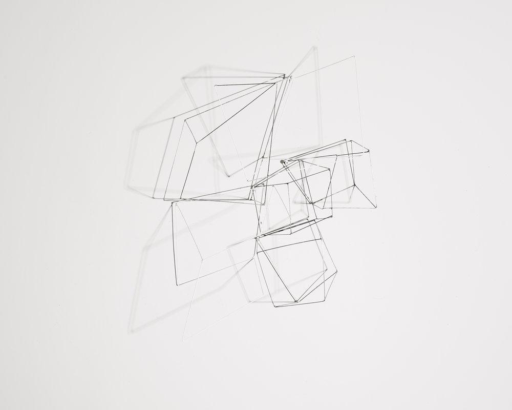 Disparition 3   2018, fil acier peint, soudure  70x55cm