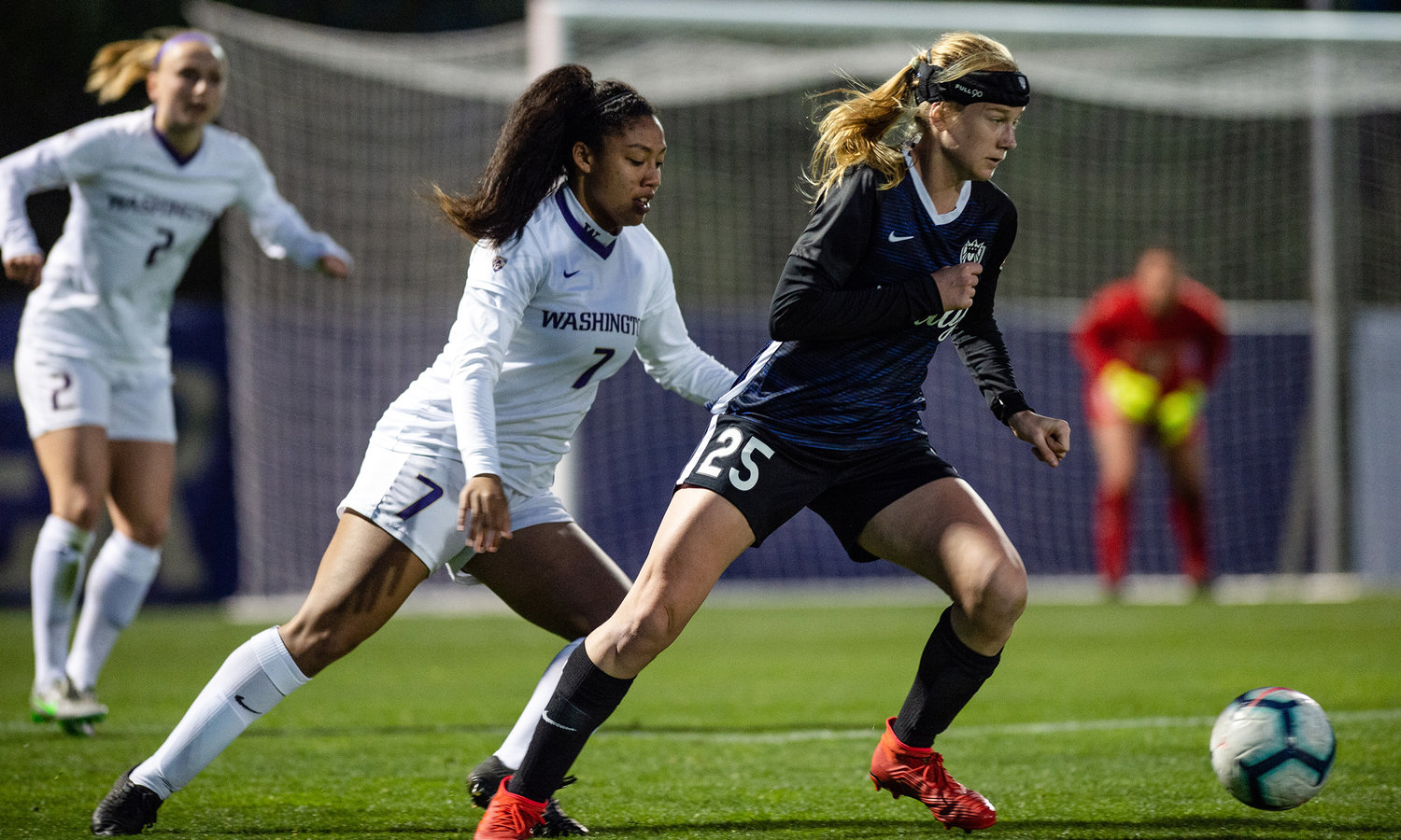 Reign FC Announce Signing of F...