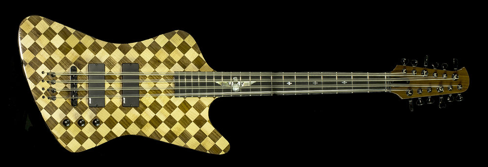 "This bass is 30"" short scale."