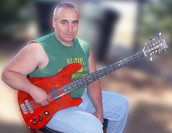 Tony Senatore and his custom Andromeda 12-String Bass built by Rothstein Guitars