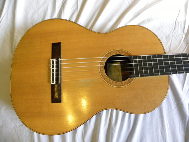 clasical-guitar-05_46735158621_o.jpg