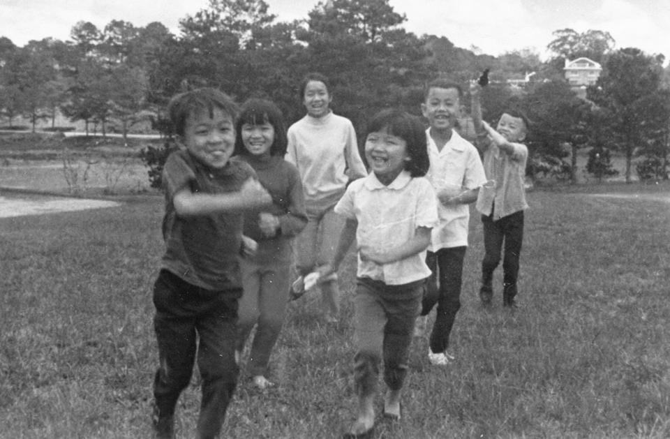 Van Đa Owner, Ms. Yen Ngo, with her family.