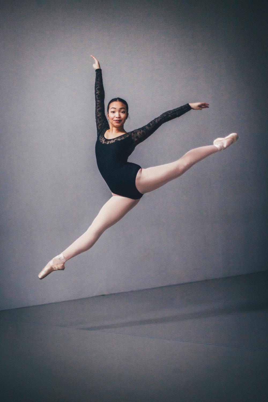 Dancewear Center Dec 2018-106.jpg