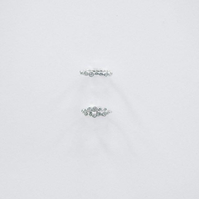 . 4月13日〜15日の3日間名古屋の栄にある THE APARTMENT STOREで ダイヤモンドの展示・受注会を行います。 . 今年の2月に香港から買い付けてきた ダイヤモンドを展示し、 その中から気になるひとつを オーダーメイドジュエリーに仕立てます。 . そして、新作のウェディングリングも お披露目させていただき日々の暮らしに馴染み、 永く寄り添うリングをお届けいたします。 . また、伊勢志摩のバロックパールを使用した @scoop_jewelry の展覧会も同時開催いたします。 職人の思いや美しい景色を閉じ込めたジュエリーを じっくりご覧いただけたら嬉しいです。 . . 日程:4月13日(土)-15日(月) 会場:THE APARTMENT STORE 住所:愛知県名古屋市中区栄5-23-9 102 (※会場のTHE APARTMENT STOREは 4月上旬より上記の住所に移転) TEL:052-212-7663 . 13日(土)11:00-19:00 14日(日)11:00-18:00 15日(月)12:00-20:00 . URL:http://www.the-apartment-store.jp/