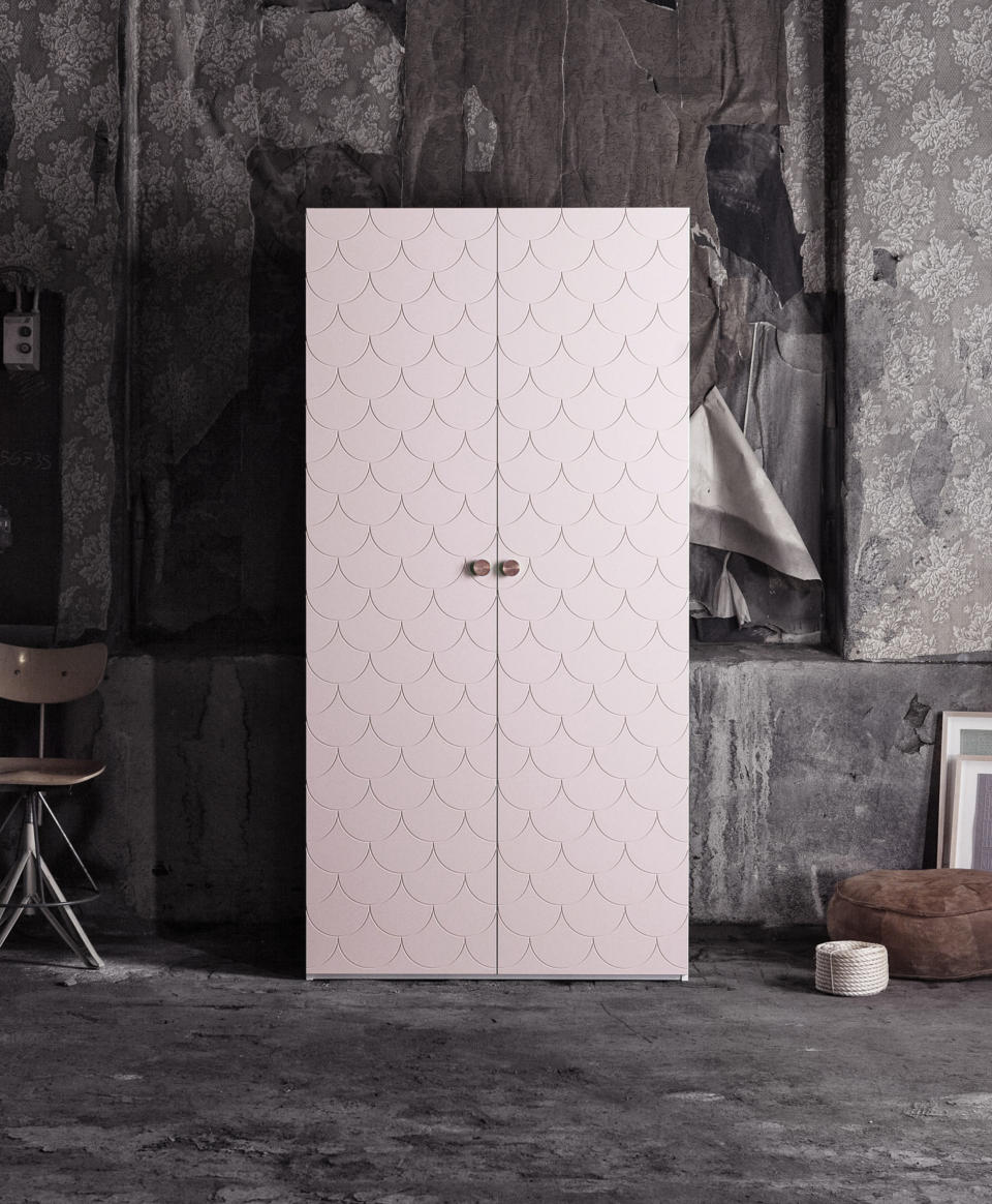 superfront-wardrobe-pattern-bigfish-colour-grannie-pink-ikea-pax-cabinet-handle-circus-brass.jpg