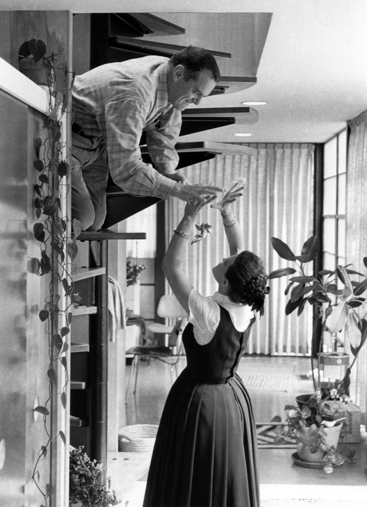 charles-ray-eames-at-home-c70.jpg