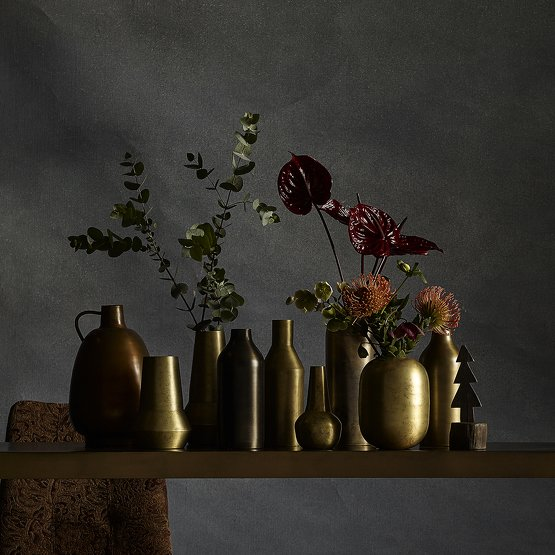 fortuny-deco-tendance-velours-24-vase-laiton-nordal.jpg