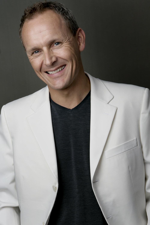 Andrew Sewell white jacket HS2.jpg