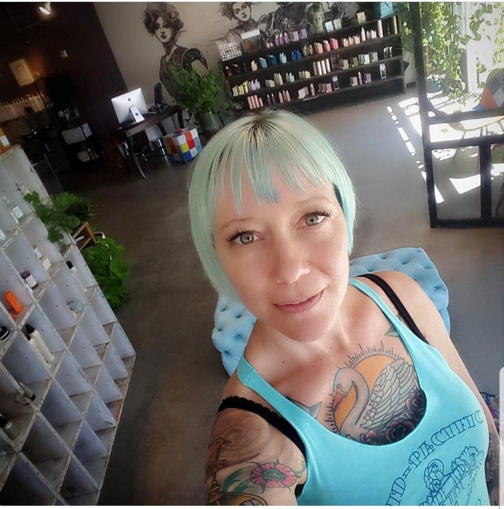 Lasha Shipman - Hairstylist@lada_in_thecity