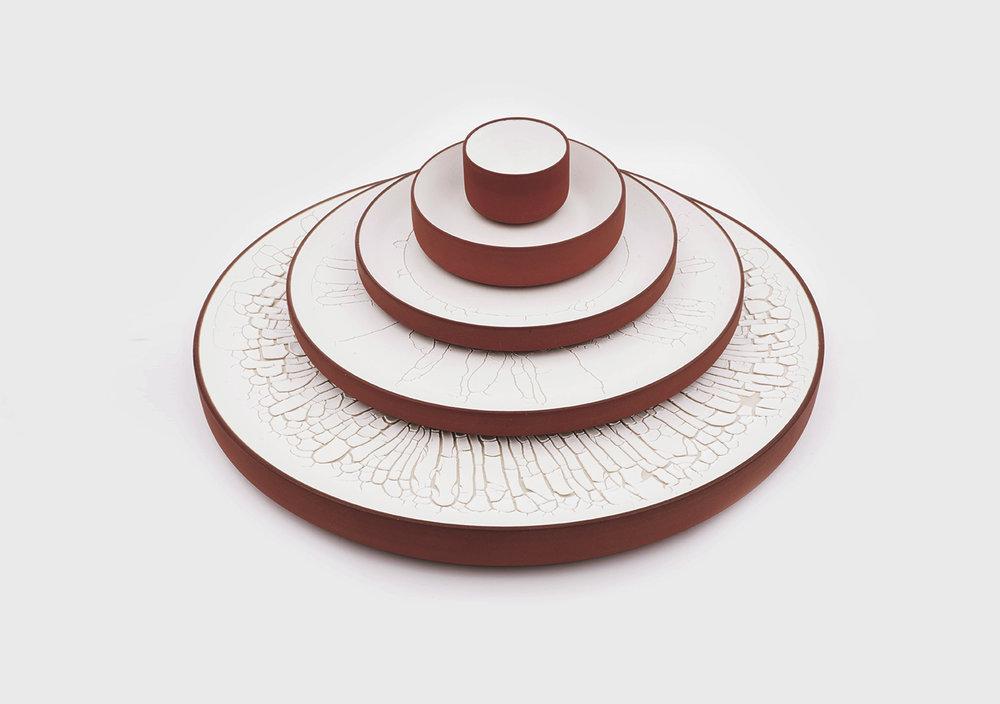 munoz-josefina-design-paysages-desertiques-ceramics-tray-tableware-4.jpg