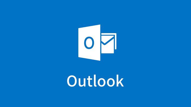 Outlook-Surface-Phone-Italia-1-5b3a54c146e0fb005b78d185.jpg