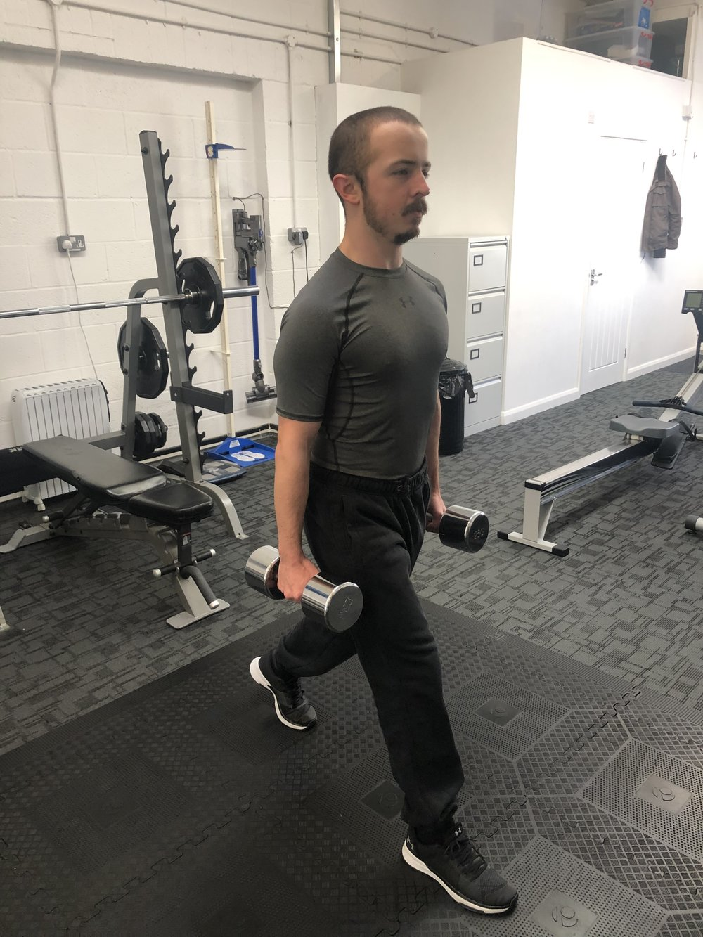 My trainee Matt doing a static lunge….
