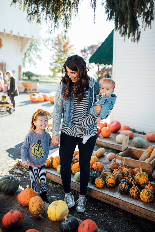 walkinlove_familytime_pumpkinpicking_lancasterblogger-1_1200x.jpg