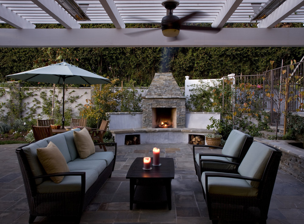 Traditional Elegance - Pacific PalisadesOutdoor fireplaceDining and entertaining areaBar & BBQElegant walkwayFountain