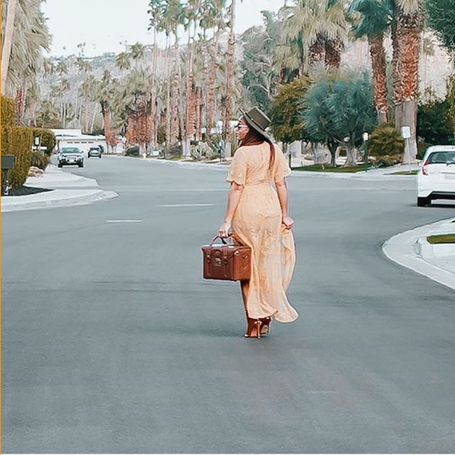 A woman who walks in purpose doesn't have to chase people or opportunities. Her light causes people and opportunities to pursue her ✨