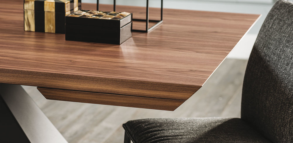 DIVINEDESIGNCENTER_ELIOTWOODDRIVE_TABLE (5).jpg