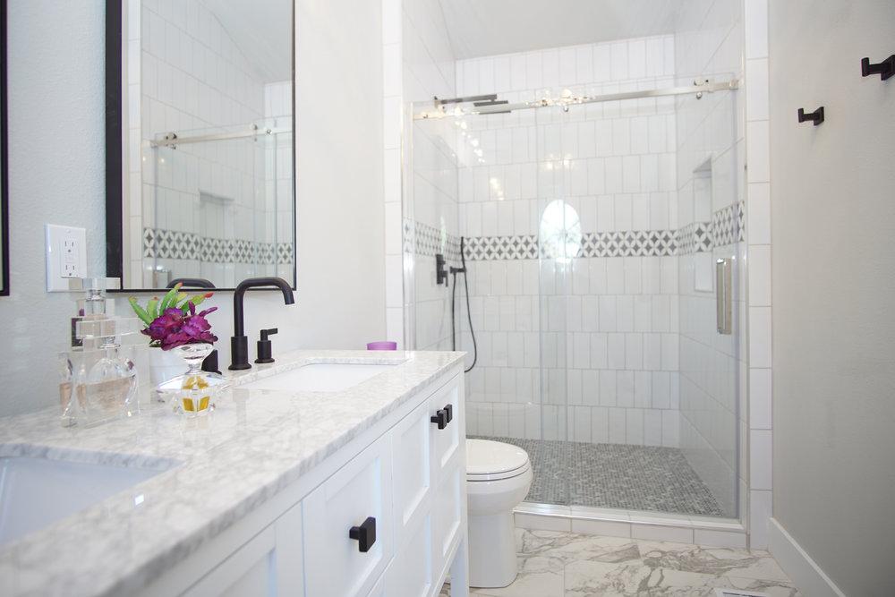 031_Master Bath.jpg